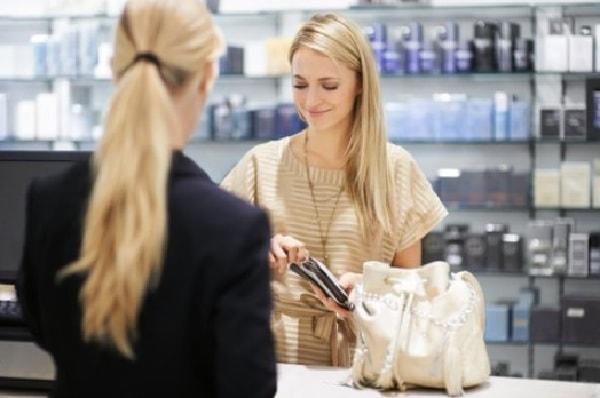 Kịch bản nói chuyện với khách hàng nhận biết khách hàng cần hỗ trợ