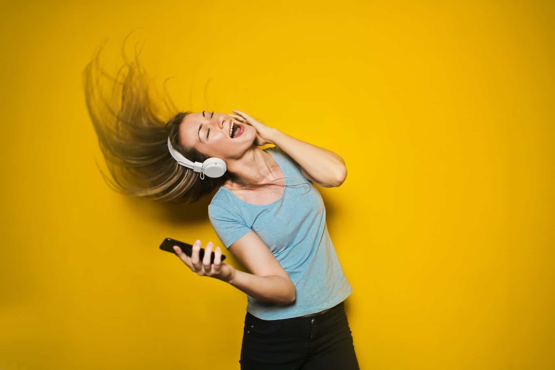Học từ vựng tiếng Anh qua bài hát chỉ trong 5 bước