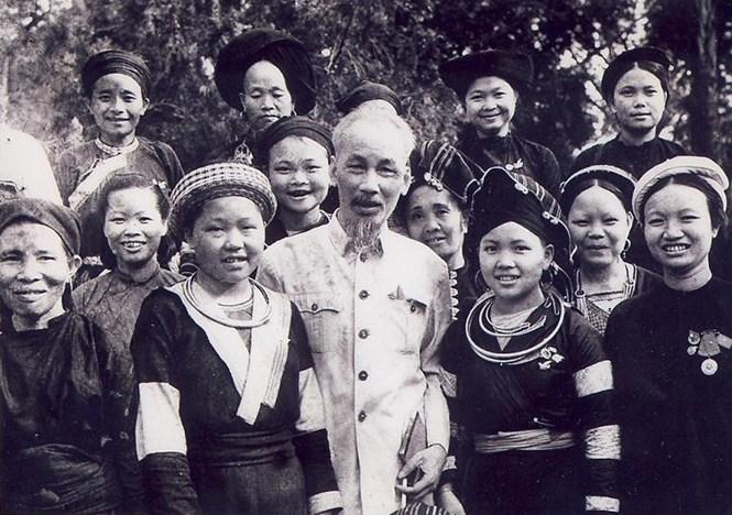 Một dân tộc đoàn kết là nguyên nhân làm cho nền kinh tế Việt Nam phát triển